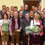 Das Bild zeigt unter anderem Bierlieferant Jupp Brantl, Ehrenschirmherr Reichold und Gattin, sowie Festleiter Bartholomäus Piendl und 1.Vorstand Reinhold Fink.