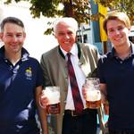 Herr Rasel zusammen mit den Vorständen des Round Tables Dr. Axel Jakobitz und Dr. Torsten Merkl