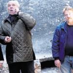Oberbürgermeister Andreas Feller (links) ließ sich von Brauereibesitzer Wolfgang Rasel (Mitte) und Oberbrauer Stefan Bergmann (rechts) über die Baumaßnahmen informieren.