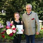 Wolfgang Rasel hat es sich nicht nehmen lassen zur bestandenen Prüfung zu gratulieren