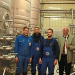 Mehr als 40 Mitarbeiter zählt die Naabecker Brauerei, die im Lohnbrauverfahren Bier für vier Marken im Landkreis Cham herstellt. Rechts im Bild Brauereichef Wolfgang Rasel.