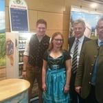Auch stellvertretender Landrat Joachim Hanisch und Oberbürgermeister Andreas Feller haben uns auf unserem Jura Weizen Messestand in der Oberpfalzhalle besucht.