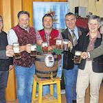 Von der Qualität des Festbiers für das Teublitzer Volksfest überzeugten sich bei der traditionellen Bierprobe in der SC-Sportgaststätte Bürgermeisterin Maria Steger und die Ehrengäste.