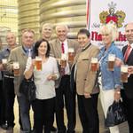 In der Brauerei Naabeck wurde auf ein gutes Gelingen des Wackersdorfer Bürgerfestes angestoßen.