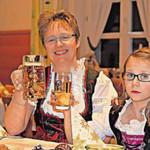 Chefin und Tochter freuen sich auf viele Gäste