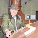 Wolfgang Rasel ist stolz auf seine Familiengeschichte. Bereits in dritter Generation führt er die Brauerei Naabeck. FOTO: MARTINKELLERMEIER